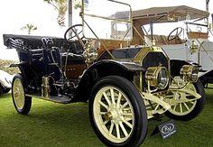 La Buick Model 19, ce véhicule ancien fut produit en 1910, il y avait deux versions de moteurs de quatre cylindres, 4,2 l et 5,5 l pour 25 et 30 ch, cette voiture avait un empattement de 2,67 m.