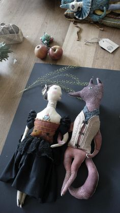 fairytale art dolls and textile sculptures Fairytales made with Fabric Pantovola Fabric Dolls Fabric Art, Fabric Crafts, Dolly Doll, Fairytale Art, Sewing Dolls, Doll Maker, Fairy Dolls, Soft Dolls, Soft Sculpture