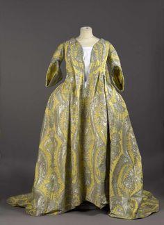 Subastado un traje puesto de moda por Madame de Montespan, amante de Luis XIV…