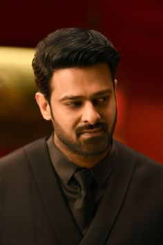 Prabhas Actor, Best Actor, Handsome Actors, Cute Actors, Village Girl Images, Darling Movie, Allu Arjun Hairstyle, Bahubali Movie, Prabhas And Anushka
