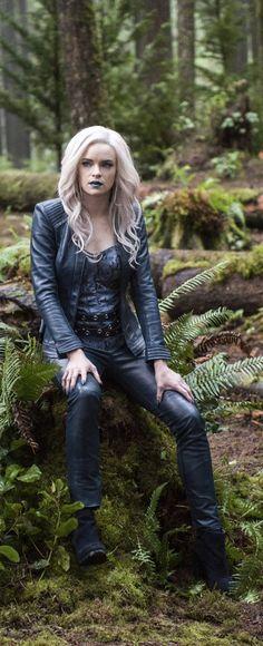 The Flash 2x14 - Killer Frost - Citlin Snow - Earth 2 (HD)