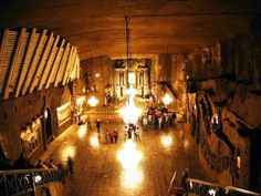 Wieliczka salt cathedral in Poland. A cathedral carved out of salt underground in Krakow! Champagne France, Monuments, Wieliczka Salt Mine, Visit Krakow, Salt Of The Earth, Underground Cities, Seven Wonders, Chapelle, Underworld
