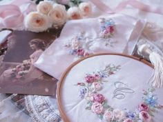 Embroidery and cartonnage of classroom-Claire Diary ~ Inoue Chigusa presided over Jiyugaoka: Jiyugaoka classroom Embroidery Monogram, Silk Ribbon Embroidery, Hand Embroidery Patterns, Embroidery Art, Embroidery Stitches, Band Kunst, Brazilian Embroidery, Ribbon Art, Linens And Lace