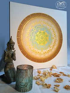 Harmonie der Blütenkreise  Mandala mit aufwendigem Farbverlauf, handgemalt mit Acryl auf Leinwand.  Ca. 50 x 50 cm Vintage World Maps, Globe, Artwork, Mandalas, Paint Run, Canvas, Colors, Speech Balloon, Work Of Art
