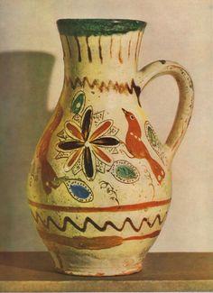 Inspiring Folk Art - ceramics and embroidery. Hand Painted Pottery, Pottery Painting, Ceramic Pottery, Contemporary Decorative Art, Heart Of Europe, Naive Art, Ceramic Design, Decor Crafts, Artsy Fartsy