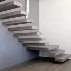 Make good use of the space under the stairs: examples with floor plans and other ideas - - der Treppe der Treppe Hall Lighting, Home Design Floor Plans, Floating Staircase, Modern Stairs, Modern Farmhouse Exterior, Staircase Design, Stairways, Interior Architecture, My House
