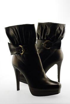 http://www.fashiongamesforgirls.us/ Stuart Weitzman Buckrogers Womens High Heel Platform � Shoe Adds for your Closet