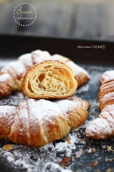Croissants, Beignets, Biscotti, Easy Croissant Recipe, Italian Pastries, Cannoli, Snacks, Food Photography, Bakery