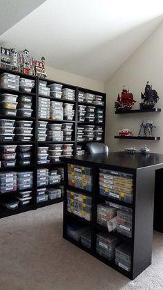 Une chambre entière dédiée au rangement des LEGO  http://www.homelisty.com/rangement-lego/