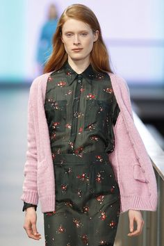 Lebor Gabala FW14/15 feminine skirt and shirt combo with a fluffy pink cardigan with a clear English influence. 080 Barcelona Fashion week