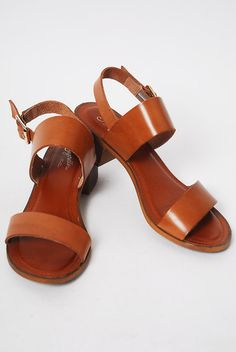 Seychelles Cassiopeia Sandal - http://shopcheekypeach.com/collections/shoes/products/seychelles-cassiopeia-sandal-tan