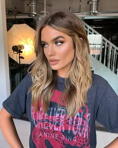 10 Biggest Spring/Summer 2020 Hair Color Trends You'll See Everywhere Brown Hair Balayage, Brown Blonde Hair, Blonde Balayage, Hair Highlights, Bronde Hair, Blonde Hair Looks, Light Hair, Gorgeous Hair, New Hair