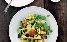 Wok med mørbrad, grønt & nødder