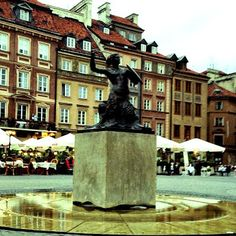 ‪#‎statue‬ ‪#‎poland‬ ‪#‎warsaw‬ ‪#‎city‬ ‪#‎architecture‬ ‪#‎people‬