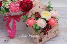 Букеты из конфет. Paper Flowers, Floral Wreath, Paper Crafts, Wreaths, Gardening, Chocolate, Home Decor, Photos, Ideas