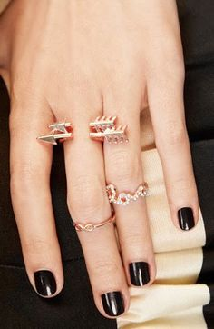 Infinity Love Bling ♡ the arrow ring is amazing Little Things, Girly Things, Jewelry Accessories, Fashion Accessories, Arrow Ring, Piercings, Love Rose, Jewelery, Jewelry Box