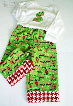 Christmas baby flannel pajama pants and personalized bodysuit. Baby Christmas flannel pants and bodysuit Sizes: 3 mo, 6mo,12mo,18mo,2T. - pinned by pin4etsy.com