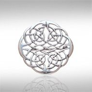 Celtic Knots Silver Brooch TBR008 - Wear a piece of Celtic tradition with pride and showcase this intricately detailed Celtic Knotwork Brooch.  Peter Stone the world's leading manufacturer of fine sterling silver jewelry has created the Celtic Knotwork Collection to celebrate Celtic Heritage and capture the intricate knotwork designs that have inspired mankind for ages.