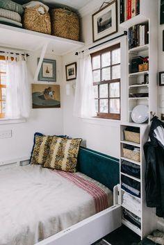 A Crafty Couple Built a Custom Tiny House: gallery image 5 Tiny House Living, Small Living, Home And Living, Living Room, Small Room Design, Tiny House Design, Gravity Home, Little Houses, Tiny Houses