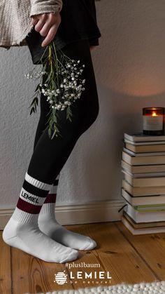 Kein Plastik für die Füße 🦶 #baumwollsocken #natürlichkeit #noplanetb #fairfashion #books #candles #bücher #Socks #jakobsweg Sport Socks, Recycling, Retro, Sports, Color, Fashion, Ingolstadt, Tennis Socks, Crew Socks