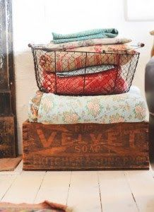 Here are cute and creative vintage home design inspiration. Home with sweet vintage concept design can always be an option. Wire Baskets, Storage Baskets, Linen Storage, Quilt Storage, Blanket Storage, Yellow Cottage, Coastal Cottage, Home And Deco, Old Wood
