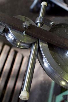 Zoom in (real dimensions: 1000 x Metal Bending Tools, Metal Working Tools, Metal Tools, Metal Projects, Welding Projects, Metal Crafts, Homemade Tools, Diy Tools, Metal Bender