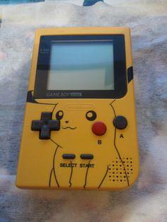 Game Boy Pocket - Pikachu