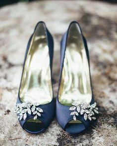 Qualcosa di #blu! <3 #weddingshoes www.danielasposa.it #danielasposa #tips