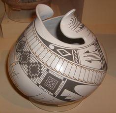 Mata Ortiz pottery jar (Mexican) by Jorge Quintana, 2002. Displayed at Museum of Man, San Diego, California.