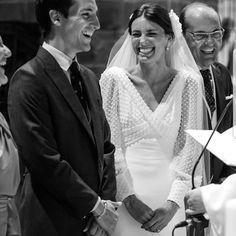 Stunning wedding dress by 💕👰🏼🤵🏽 Courthouse Wedding Dress, Civil Wedding Dresses, Wedding Dresses Plus Size, Princess Wedding Dresses, Dresses Elegant, Stunning Wedding Dresses, Dream Wedding Dresses, Fit And Flare Wedding Dress, Boho Wedding Dress