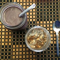 Breakfast: Kale berry smoothie & overnight oats. Mmmm... Have a great day! ☀️  http://www.sheilabotelho.com  #healthy #breakfast #smoothie #overnightoats #foodie #eatclean #delicious #eatwell #healthyrecipes #healthblog #healthcoach #integrativehealth #healthyfamily #healthylife #ottawa #montreal #toronto #vancouver #ontario #canada #foodlandontario  #wellnesscoach #vibrantlife