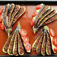 Sunumsahibi Like Nossos produtos com berinjela picada . Turkish Recipes, Gourmet Recipes, Mexican Food Recipes, Cooking Recipes, Gourmet Food Plating, Food Plating Techniques, Dessert Presentation, Modern Food, Star Food