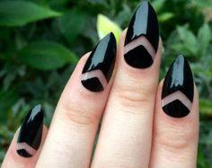 Daisy fake nails floral nail art black acrylic by nailsbykate: