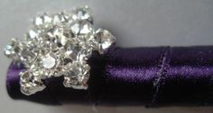 Unique pen design, accentedwith a rhinestone snowflake, on top of a luxurious double faced satin ribbon in the color of your choice! Great guest book pen for a winter wedding theme, bridal shower, baby shower, quincenera or everyday use!
