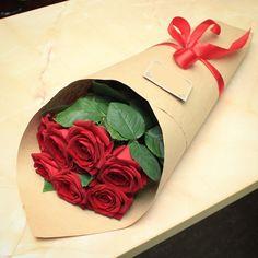 Артикул: 035-307 Состав букета: 7 роз красного цвета, оформление Размер: Высота букета 60 см Роза: Выращенная в Украине http://rose.org.ua/bukety-iz-roz/1581-buket-neravnodushnost.html #букеты #букетроз #доставкацветов #RoseLife #flowers #SendFlowers #купитьрозы #заказатьрозы #розыпоштучно #доставкацветовкиев #доставкацветовукраина #срочнаядоставка #заказатьрозыкиев