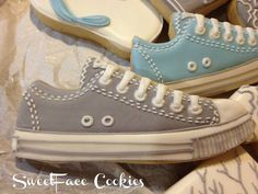 In LOVE with these cool sneaker cookies!!  I am definitely going to try to make these!