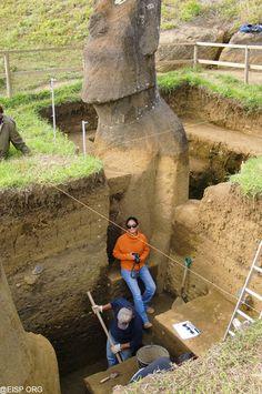 Excavating Moai Statue Unit 156. eisp.org