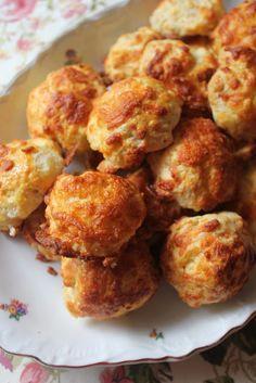 NESRiN`S KÜCHE: Käse-Gebäck (Kasar Peynirli Pogaca)