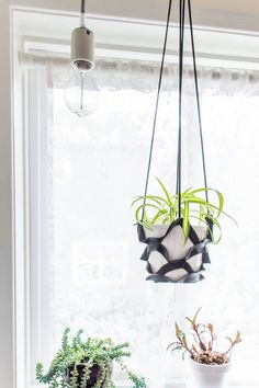Make this easy DIY leather plant hanger with this tutorial and template.