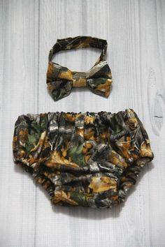 Hunting Camouflage, Camo Diaper Cover and Bow Tie Set. Birthday, Cake Smash, Church, Ring Bearer Baby. photo prop