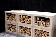 Beautiful firewood storage in the garden Outdoor Firewood Rack, Firewood Storage, U Element Beton, Small Gardens, Outdoor Gardens, Outdoor Rooms, Outdoor Living, Kleiner Pool Design, Wood Store