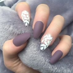 False nails have the advantage of offering a manicure worthy of the most advanced backstage and to hold longer than a simple nail polish. The problem is how to remove them without damaging your nails. Spring Nail Art, Nail Designs Spring, Nail Art Designs, Nails Design, Unique Nail Designs, Clear Nail Designs, Purple Nail Designs, Spring Art, Spring Style