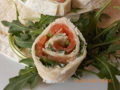 Tortitas mejicanas con rúcula y salmón