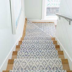 Staircase Carpet Runner, Stairway Carpet, Carpet Stair Runners, Stair Rug Runner, Runner Rugs, Runners For Stairs, Stairway Walls, Wood Stairs, Painted Stairs
