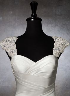 Idea for adding sleeves to a strapless