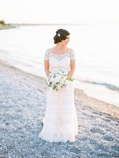 Gorgeous bride and Hey Gorgeous bouquet! | Bradley James Photography