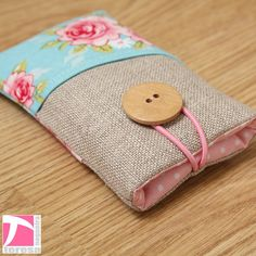 iPhone 4 case /  iPod case / iPhone 4 sleeve by TeresaNogueira, €11.00