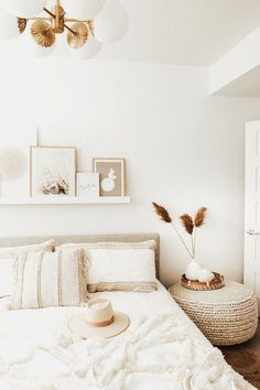Home Interior Design .Home Interior Design Modern Bedroom, Bedroom Inspirations, Bedroom Interior, Minimalist Bedroom, Bedroom Makeover, Bedroom Design, Bedroom Decor, Home Decor, Upholstered Beds