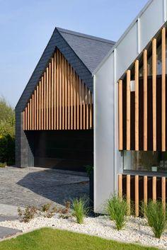 Incision d'une baie horizontale dans parement façade lamellée