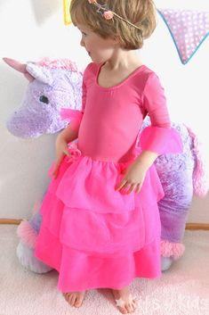 Schnittmuster Flamenco-Kleid für Mädchen • Näh-e-Book Rüschenkleid Girls Dresses, Flower Girl Dresses, Cinderella, Disney Princess, Wedding Dresses, Handmade, Fashion, Princess Dress Up, Flamenco Dresses